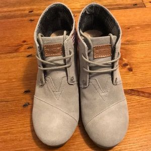 Toms wedge lace up shoe